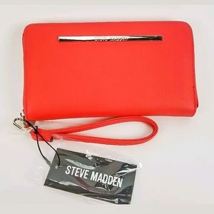 Steve Madden BZIPPY Wallet Wristlet in Coral